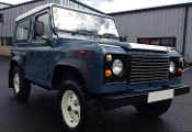 LAND ROVER DEFENDER 90  2.5L (1986) full frame up restoration.